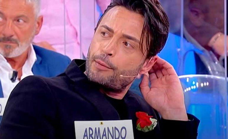 Armando ancora rimproverato dalla De Filippi