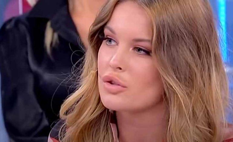 News Uomini e Donne: momenti di paura per l'ex tronista Sophie Codegoni, ecco cosa è successo in Aereo